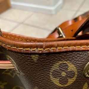 Louis Vuitton Bags - Louis Vuitton Epi Noe Shoulder Bag